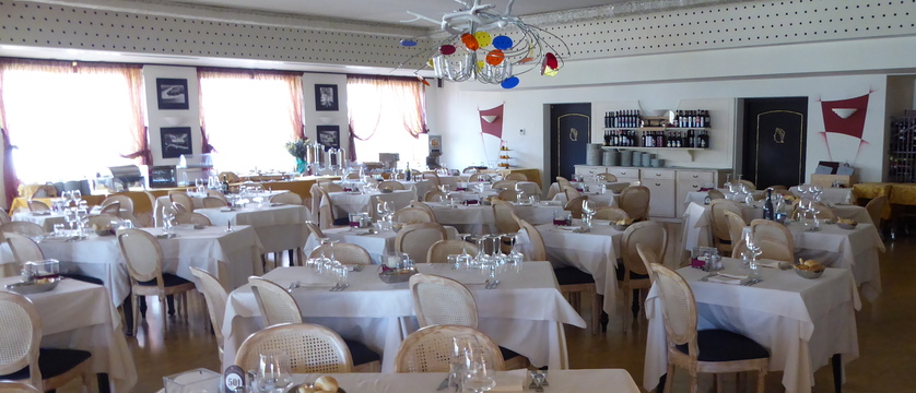Hotel Catullo Dining Room.jpg (1)